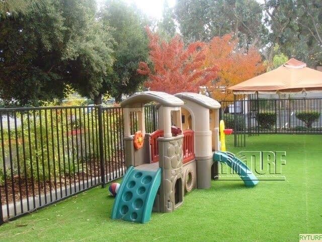幼兒園及公園遊戲區