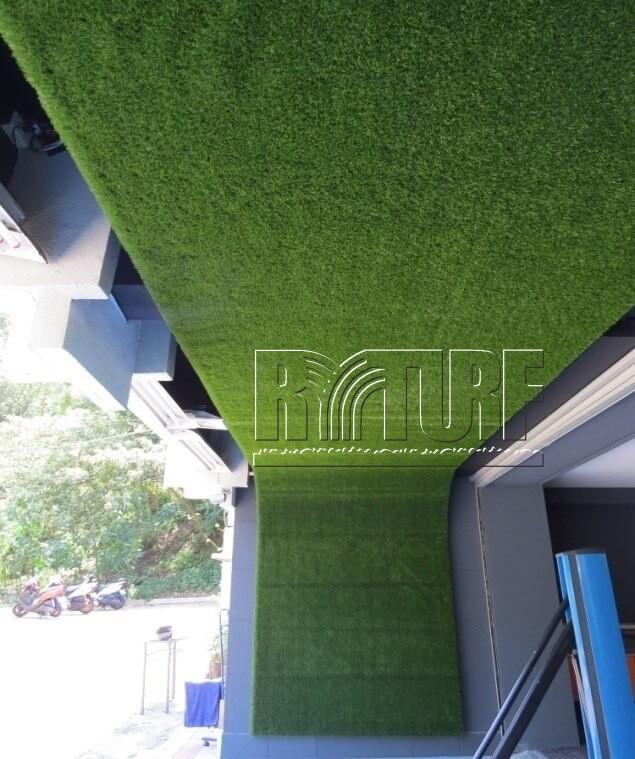 台北市東湖高爾夫練習場牆面人工草